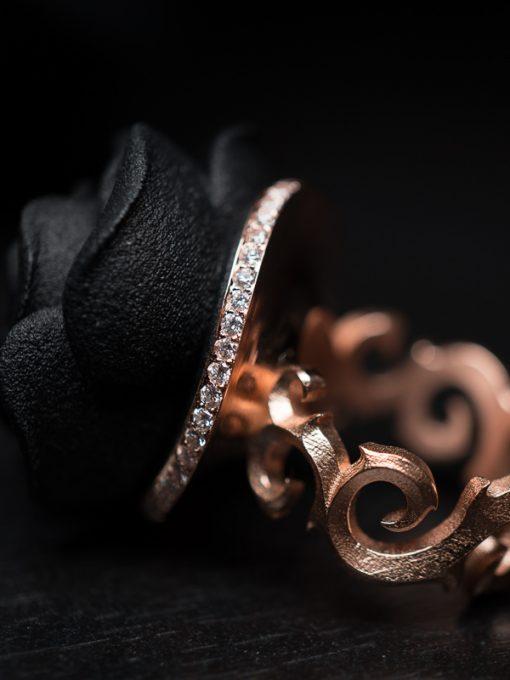 Väi Ruusu rose gold ring with diamonds by Väisänen Design, close