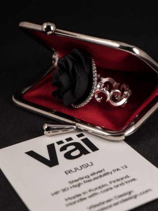 Väi Ruusu ring by Väisänen Design, in purse